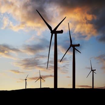 Turbina wiatrowa zachod słońca