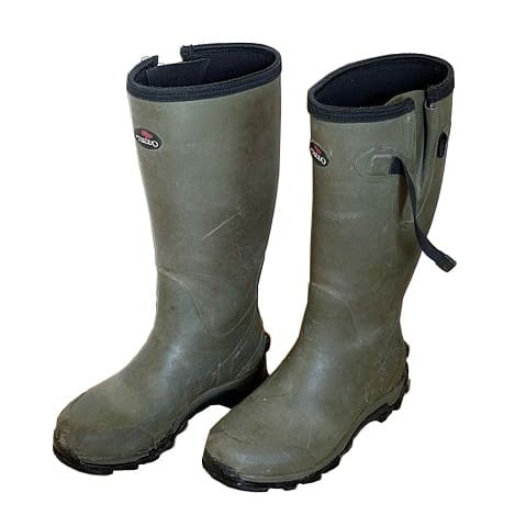 Waterboots - Santeri Viinamäki, This file is licensed under the Creative Commons Attribution-Share Alike 4.0 International license - https://creativecommons.org/licenses/by-sa/4.0/deed.en